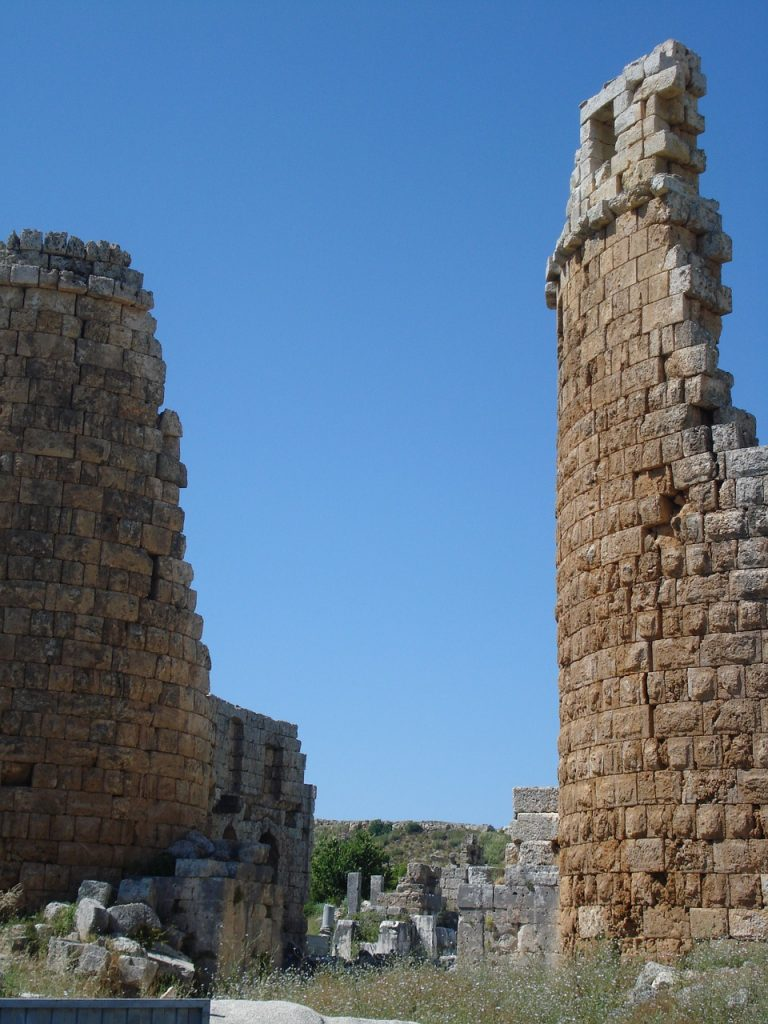 two-towers-1179211_1280